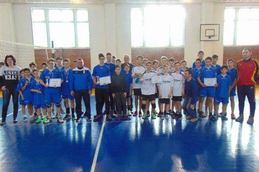 Echipa de baieti a scolii Mihu Dragomir a castigat faza judeteana a Gimnaziadei de volei
