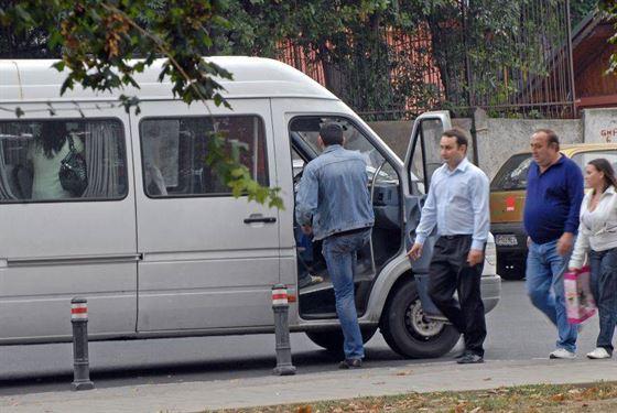 Soferii de maxi-taxi luati la control de politisti