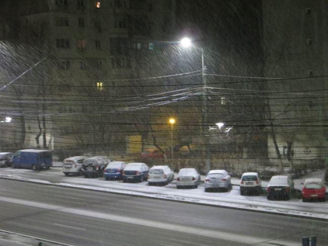 Atenționare meteo de ninsori până vineri la prânz