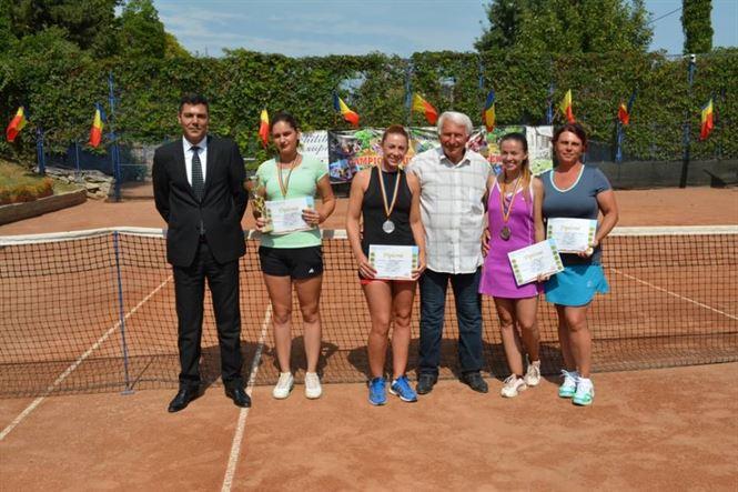 Au fost premiati castigatorii campionatului national de tenis al MAI desfasurat la Braila