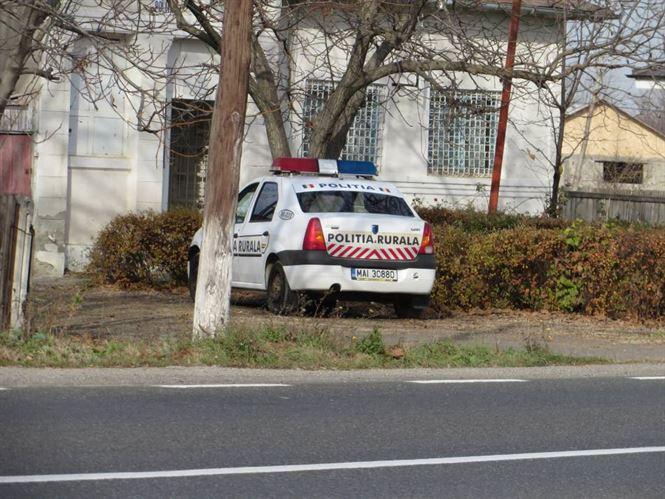 13 cu ghinion. A fost prins de polițiști după ce a furat mai multe bunuri dintr-un imobil nelocuit