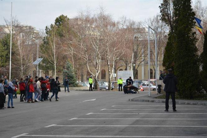 Ziua Politiei marcata astazi pe platoul din Piata Independentei