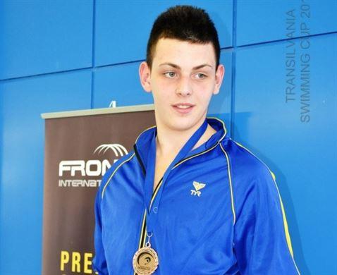 15 medalii pentru inotatorii braileni
