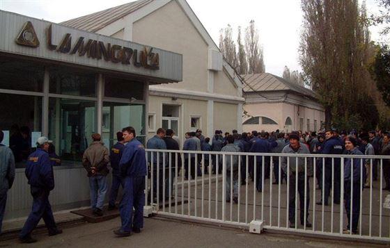 Angajatii Laminorul picheteaza maine sediul societatii intre orele 10.00-12:00