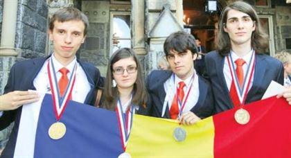 Vezi aici cati bani vor primi anul acesta de statul roman elevii olimpici internationali