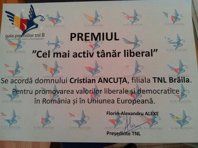 """Cristian Ancuta a primit Premiul pentru """"Cel mai activ tanar liberal"""", in cadrul Galei TNL 2013"""