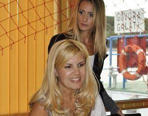 Elena Udrea isi va prezenta motiunea la Braila