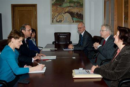 Senatorul Roatru si Werner Haug au discutat despre prioritatile UNFPA