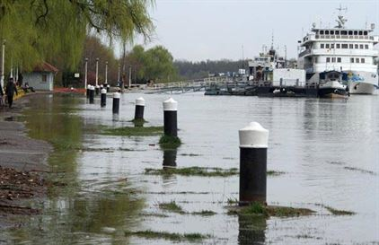 Debitele Dunarii s-ar putea mentine ridicate doua-trei saptamani