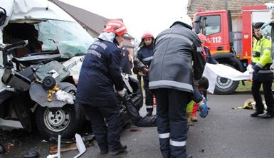 Accident rutier grav, 2 persoane sunt incarcerate