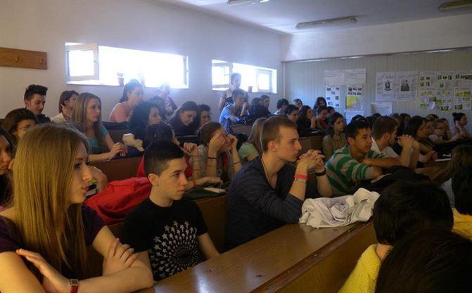 Discutie despre copii si drepturile lor, cu elevii de la Perpessicius