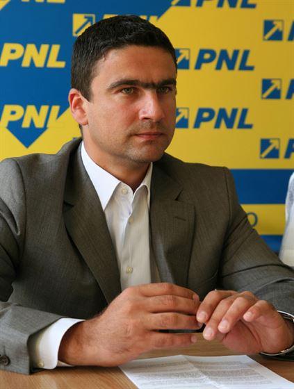 Probleme in USL? PNL nu sustine introducerea de noi taxe si PC spune ca va candida separat