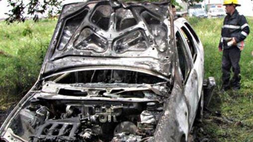 Un autoturism a ars in totalitate pe DE 584