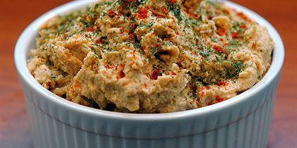 Hummus fierbinte cu paprika, chimion prajit si usturoi