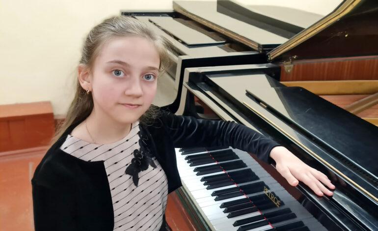 """Diana Pavaluca, din Chișinău, marea câștigătoare a Concursului """"Virtuozii"""""""
