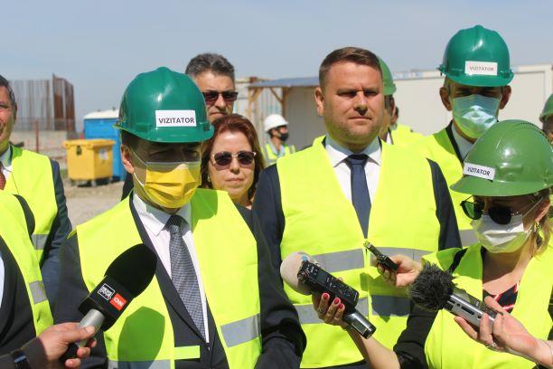 Orban în vizită la Podul Suspendat peste Dunăre