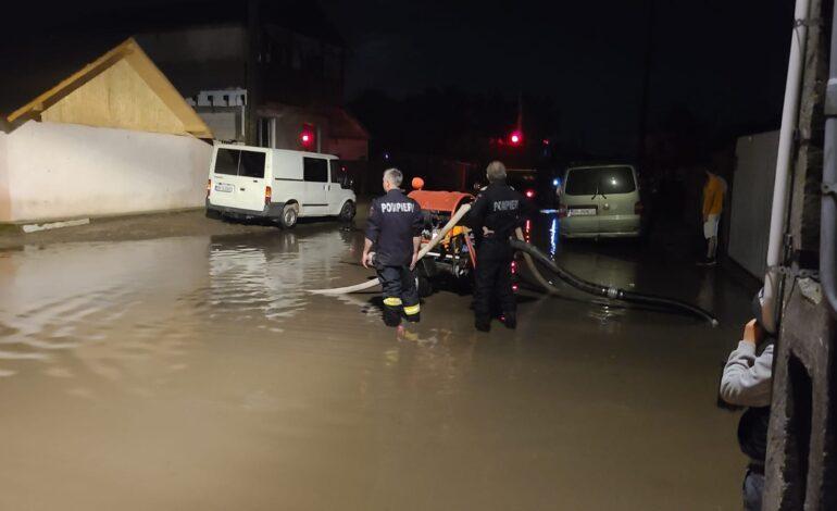 Galerie foto+video: Inundații în cartiere din municipiul Brăila