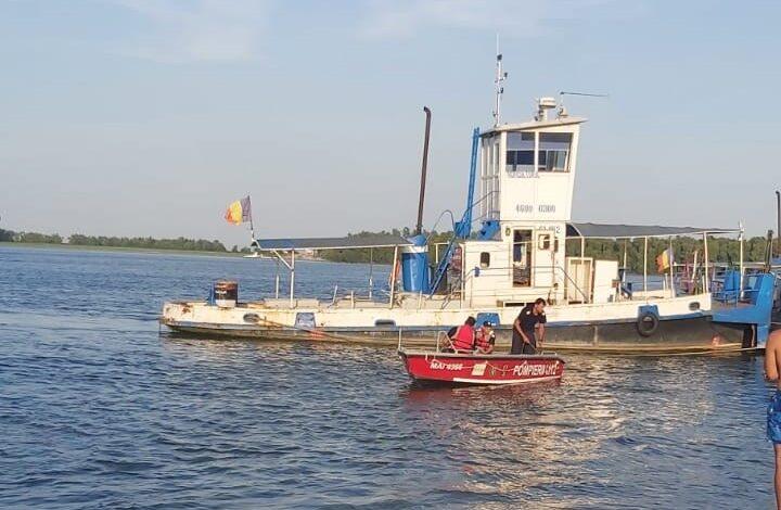 Tânărul înecat la Gropeni a fost găsit, dar a fost declarat decedat după 45 de minute de manevre de resuscitare