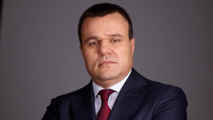 Senatorul Eugen Pîrvulescu acuzat de DNA că a trucat concursul de la Serviciul județean de Ambulanță. Pîrvulescu și-a anunțat susținerea pentru Orban acum două săptămâni