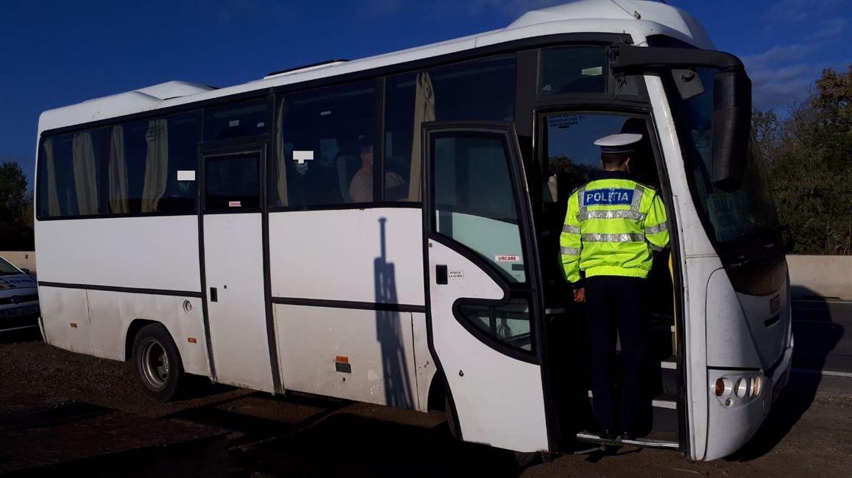 11 șoferi și 34 de  pasageri sancționați pentru nerespectarea măsurilor  privind purtarea corespunzătoare a măştii de protecție în mijloacele de transport