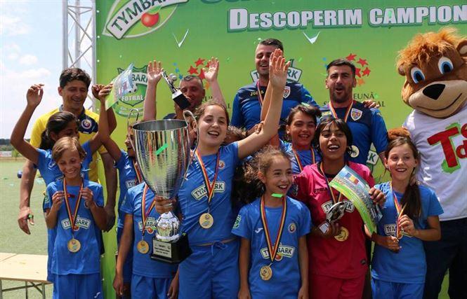 Galerie foto: Echipa scolii din Ramnicelu, campioana nationala la Cupa Tymbark fotbal fete U10