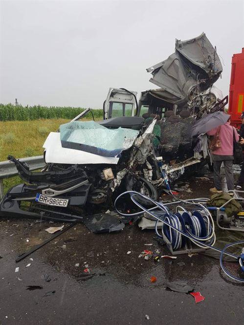 Galerie foto: Accident mortal pe DN 22, intre Gradistea si Sutesti