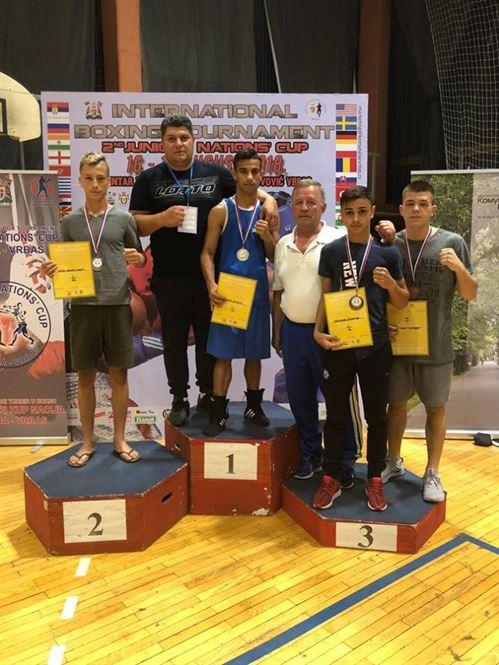 Patru medalii obtinute de pugilistii pregatiti la lotul de juniori de braileanul George Pertea
