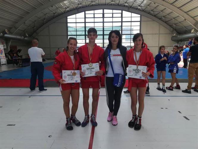 Sportivii brăileni medaliați la naționalele de sambo pentru cadeți și la Cupa Toamnei la juniori mici