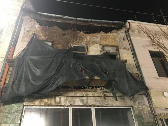 Atenție! Cad fațadele clădirilor de pe strada Mihai Eminescu