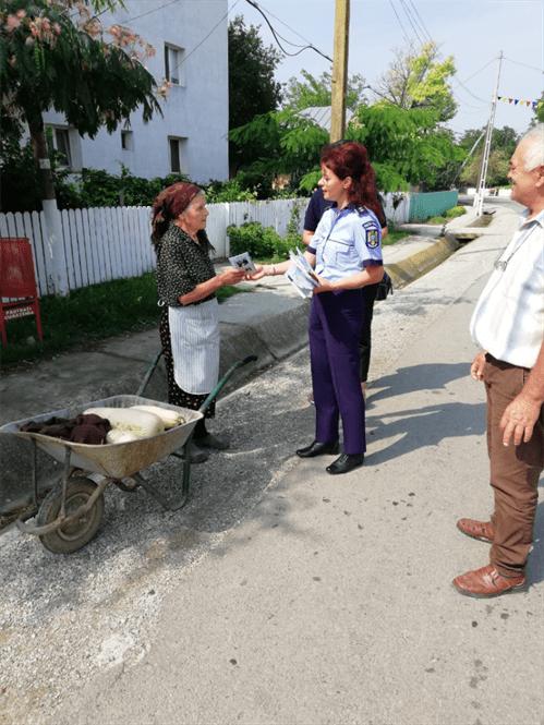 Galerie foto: Actiuni de prevenire a infractionalitatii in comuna Racovita