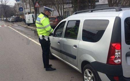 Soferi bauti si fara permis depistati de politistii rutieri