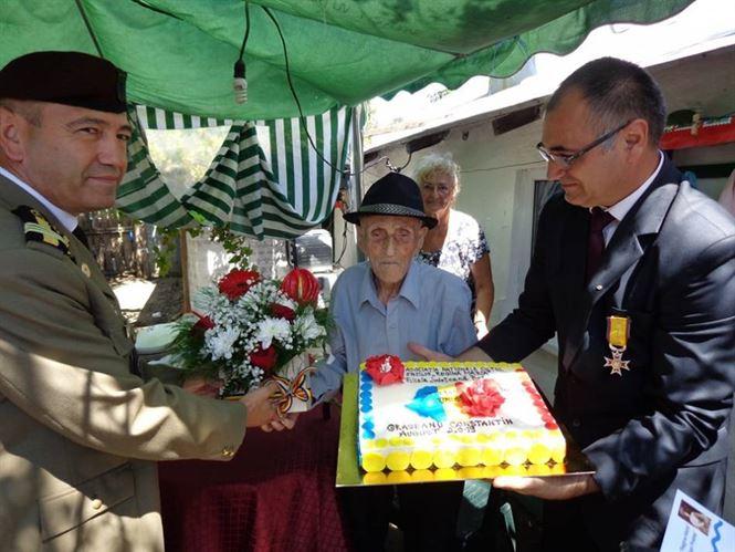 Cel mai în vârstă veteran de război sărbătorit la împlinirea vârstei de 105 ani