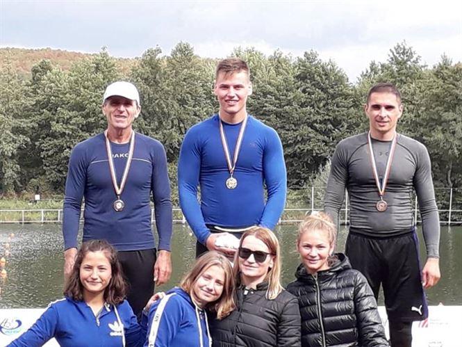 Opt medalii pentru sportivii brăileni la naționalele de maraton la kaiac canoe