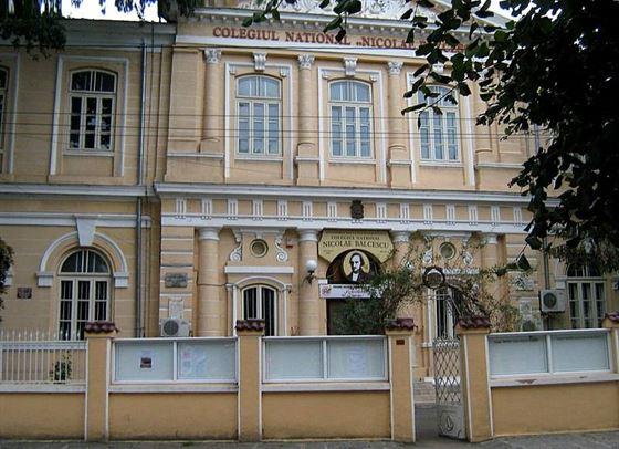 Profesor agresat verbal de un părinte în incinta Colegiului Nicolae Bălcescu
