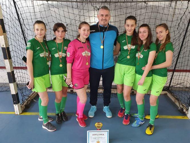 Echipa școlii din Tichilești s-a calificat la faza zonală a ONSS la fotbal fete