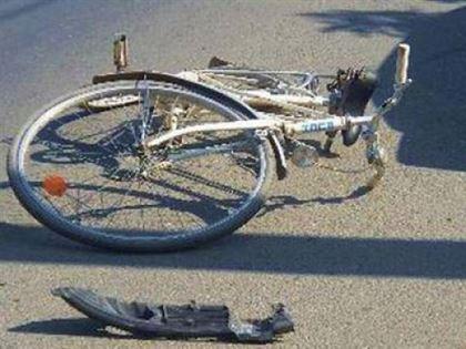 A lovit un biciclist si a parasit locul accidentului