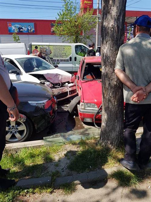 Accident pe soseaua Buzaului in zona Penny