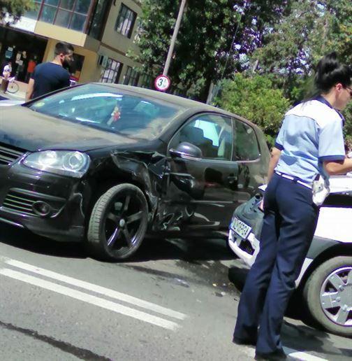 Accident pe Calea Călărașilor, la interseția cu strada Radu Negru