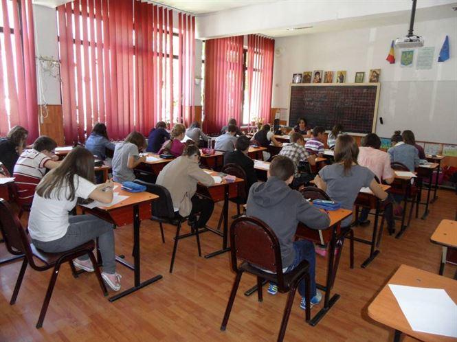 Absolvent de 11 clase autor de subiecte la concursuri de clasa a XII-a