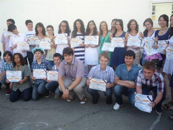 Absolventii de la Scoala Mihai Eminescu
