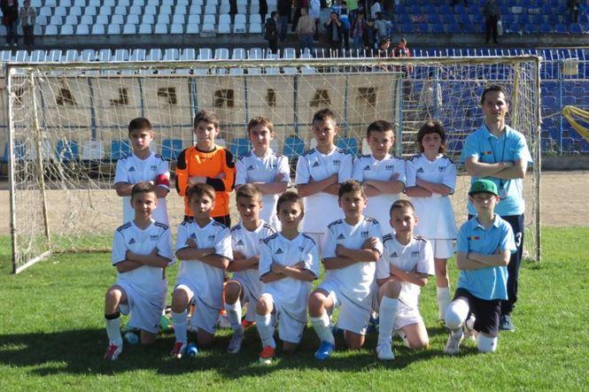 Academia Stars Braila participa cu 3 echipe la Brasov Junior's Cup 2014