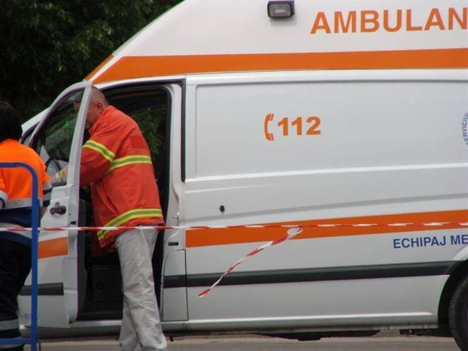 Accident frontal cu doi raniti pe DE 584, in apropiere de Valea Canepii