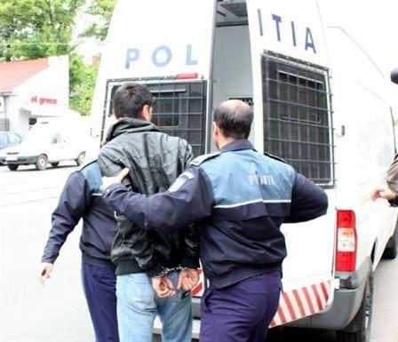 Arestat preventiv pentru mai multe furturi din imobile