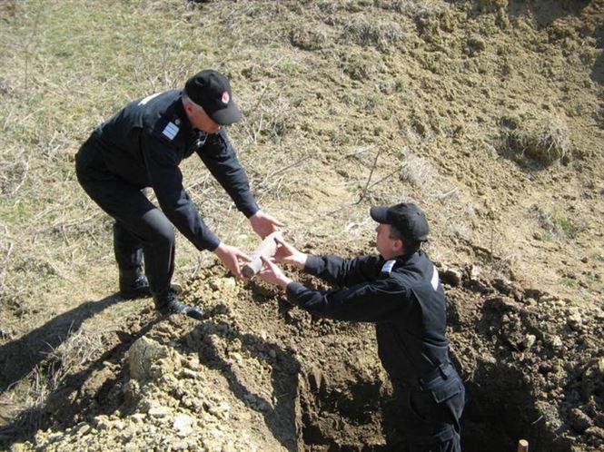 Asanare munitie neexplodata in comuna Vadeni