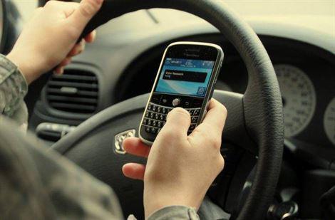 Atenție șoferi! Fără telefon mobil când conduceți