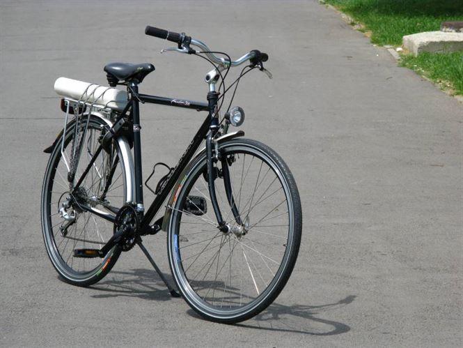 A furat doua biciclete, iar pe una a vandut-o la fier vechi