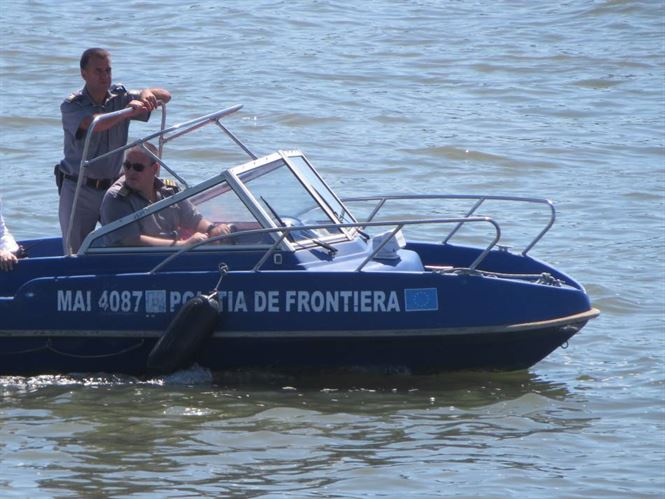 Barja acostata Dana 39 din Bazinul Docuri Braila, jefuita de doi braileni