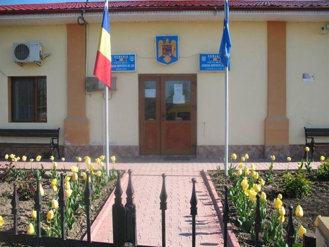 GAL Danubius pune 2,3 milioane euro la dispoziţia autorităţilor locale