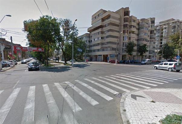 Biciclist accidentat pe strada Scolilor