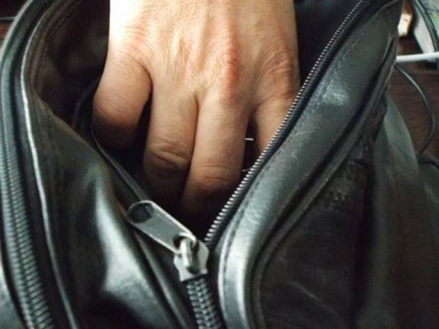 Brailean depistat de politistii din Sibiu ca autor al unui furt dintr-un autocar